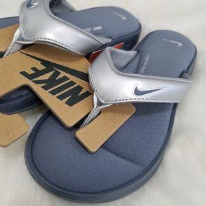 NEW Nike 6 slide on thong sandal silver gray